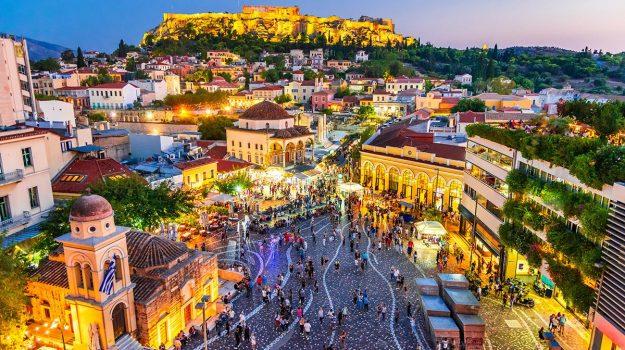 Atenas al aire libre: vida callejera en la capital griega