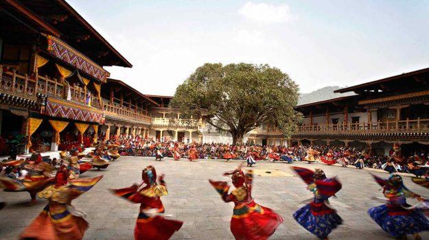 Bután: el paraíso del Himalaya que tiene un índice para medir la felicidad